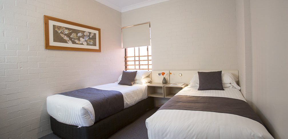 Oxley Court Serviced Apartments Twin Beds